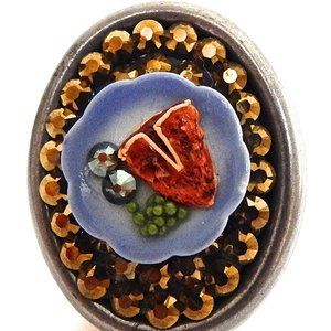 T-BONE STEAK DINNER DORADO RHINESTONE RING